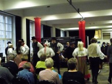 フィンランド暮らしの嫁日記-民族舞踊