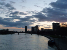 フィンランド暮らしの嫁日記-マイン河から眺める街