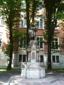 フィンランド暮らしの嫁日記-コペルニクス像